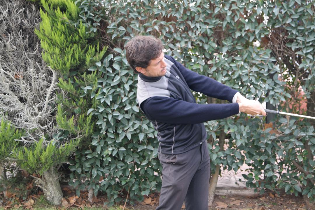 Swing de golf en extensión